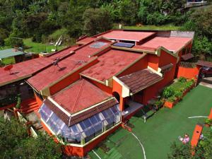 Rio Macho Lodge, Orosí