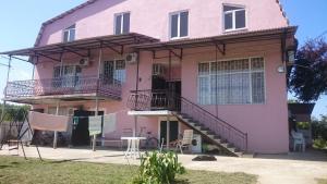 Гостевой дом На улице Братьев Эзугбая 26