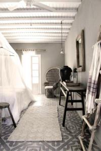 San Giorgio Mykonos - Design Hotels, Hotely  Paraga - big - 46