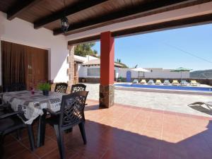 Villa Alejandro, Vily  Sayalonga - big - 31