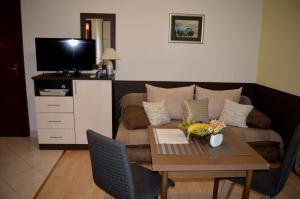 Rooms & Apartments Villa Anka, Апартаменты  Тучепи - big - 6