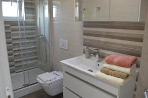 Rooms & Apartments Villa Anka, Апартаменты  Тучепи - big - 111