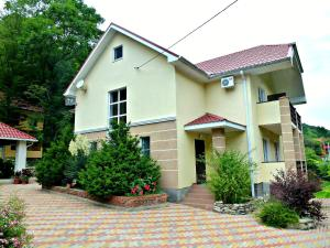 Guest House Lesnoy - Tonos