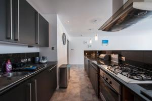 The Deluxe West End Apartment, Apartments  Edinburgh - big - 23