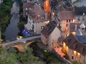 Location gîte, chambres d'hotes Les Maisons du Pont dans le département Creuse 23