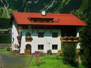 Haus Schöne Aussicht - Apartment - Berwang