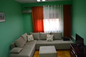 Apartment AED