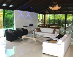 5BR House in Jurerê Internacional - Canasvieiras