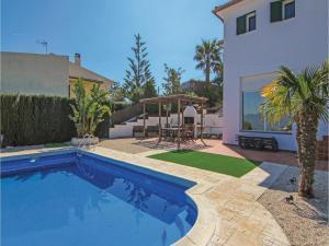 Four-Bedroom Holiday Home in St. Cebria de Vallalta, Prázdninové domy  San Cipriano de Vallalta - big - 7