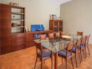 Four-Bedroom Holiday Home in St. Cebria de Vallalta, Prázdninové domy  San Cipriano de Vallalta - big - 13