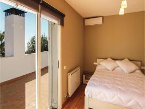 Four-Bedroom Holiday Home in St. Cebria de Vallalta, Prázdninové domy  San Cipriano de Vallalta - big - 21