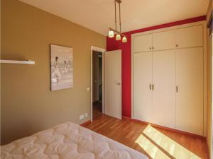 Four-Bedroom Holiday Home in St. Cebria de Vallalta, Prázdninové domy  San Cipriano de Vallalta - big - 22