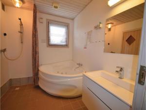 Holiday home Snedsted 59, Dovolenkové domy  Stenbjerg - big - 3