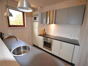 Holiday home Snedsted 59, Holiday homes  Stenbjerg - big - 13