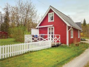 Three-Bedroom Holiday Home in Svangsta, Prázdninové domy - Svängsta