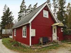 Three-Bedroom Holiday Home in Svangsta, Dovolenkové domy  Svängsta - big - 3