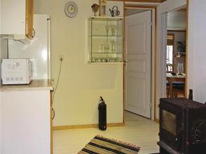 Three-Bedroom Holiday Home in Svangsta, Holiday homes  Svängsta - big - 14