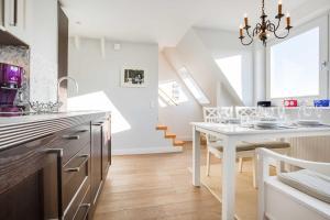 Kürzdörfers App 3 OG, Apartmanok  Wenningstedt - big - 7