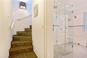 Landhaus Berthin Bleeg Buhne 4, Appartamenti  Wenningstedt - big - 15
