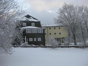 Hotel Haus Oberland - Einsiedel