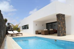 Villa Lujosa - Luxury Villa With Private Pool, La Oliva