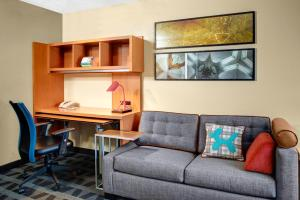 TownePlace Suites Fresno