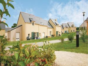 One Bedroom Holiday Home in Le Tronchet