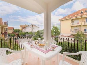 obrázek - Three-Bedroom Apartment in Villa Rosa TE