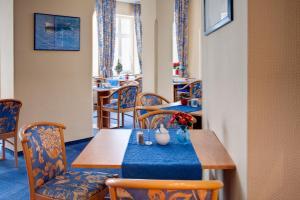 Haus Seeblick Hotel Garni & Ferienwohnungen, Hotely  Zinnowitz - big - 58