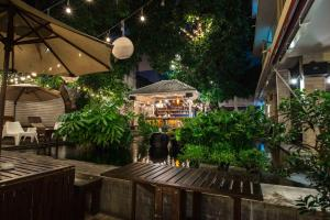 Feung Nakorn Balcony Rooms and Cafe, Hotels  Bangkok - big - 134