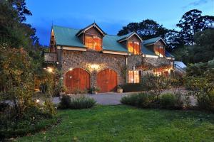 Mary Cards Coach House - Accommodation - Olinda