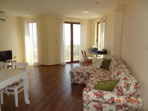 Aneta's Seaside Apartment