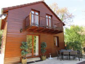 Location gîte, chambres d'hotes Chalet Souillac Golf & Country Club II dans le département Lot 46