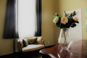 Room & Breakfast H & Ercolani - AbcAlberghi.com