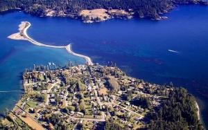 Salty Towers Ocean Front Cottages - Hotel - Sooke