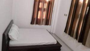 Auberges de jeunesse - Om Sai Hotel and Restaurant