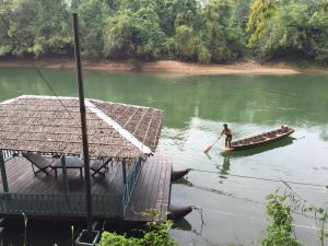 Saiyok River House - Ban Thap Sila