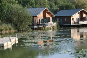 Location gîte, chambres d'hotes Résidence Goélia Les Cottages du Lac dans le département Dordogne 24