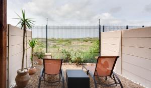 Sea Spray Chalet, Apartments  Muizenberg - big - 11