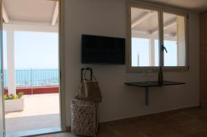 Domina Fluctuum - Penthouse in Salerno Amalfi Coast, Apartmány  Salerno - big - 3