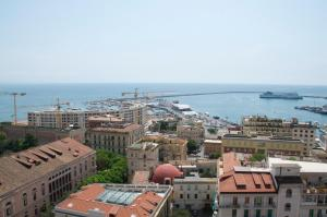 Domina Fluctuum - Penthouse in Salerno Amalfi Coast, Apartmány  Salerno - big - 4