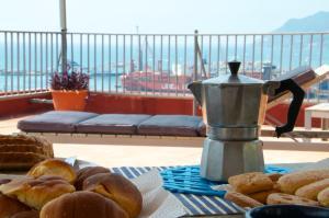Domina Fluctuum - Penthouse in Salerno Amalfi Coast, Apartmány  Salerno - big - 7
