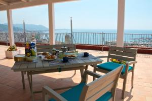 Domina Fluctuum - Penthouse in Salerno Amalfi Coast, Apartmány  Salerno - big - 10