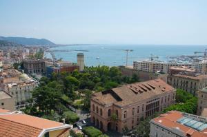 Domina Fluctuum - Penthouse in Salerno Amalfi Coast, Apartmány  Salerno - big - 13