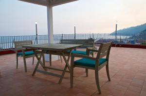 Domina Fluctuum - Penthouse in Salerno Amalfi Coast, Appartamenti  Salerno - big - 98