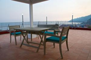 Domina Fluctuum - Penthouse in Salerno Amalfi Coast, Appartamenti  Salerno - big - 20