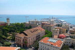 Domina Fluctuum - Penthouse in Salerno Amalfi Coast, Apartmány  Salerno - big - 22