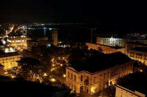Domina Fluctuum - Penthouse in Salerno Amalfi Coast, Appartamenti  Salerno - big - 80