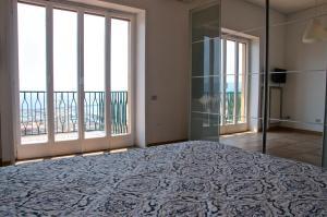 Domina Fluctuum - Penthouse in Salerno Amalfi Coast, Apartmány  Salerno - big - 33