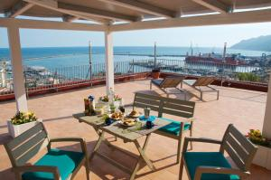 Domina Fluctuum - Penthouse in Salerno Amalfi Coast, Appartamenti  Salerno - big - 34
